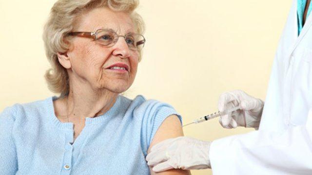 Достатъчни ли са безплатните ваксини за пенсионерите