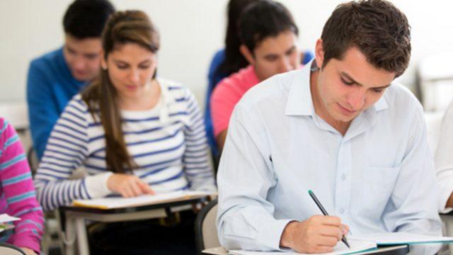 Намаляват броя на студентите по държавна поръчка за академичната 2020/2021